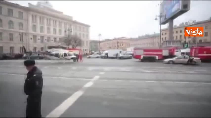 Putin arriva in elicottero sul luogo dell'attentato