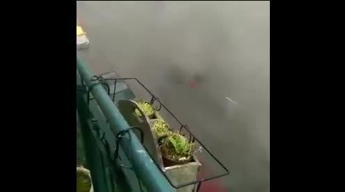 G20, auto in fiamme ad Amburgo