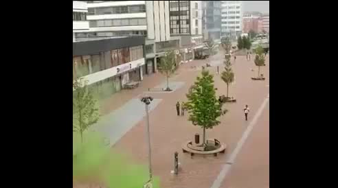 Black bloc in azione ad Amburgo