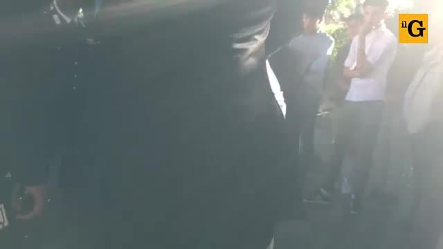 Tensione a Palermo, uomo inveisce contro i carabinieri