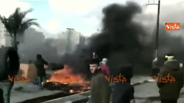 Hamas chiama l'intifada: primi scontri e feriti