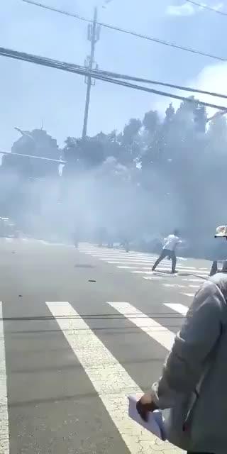 Esplosione a Pechino davanti all'ambasciata Usa