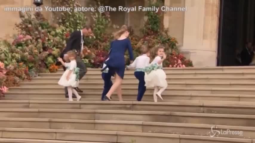 Royal wedding, il vento alza la gonna alla principessa