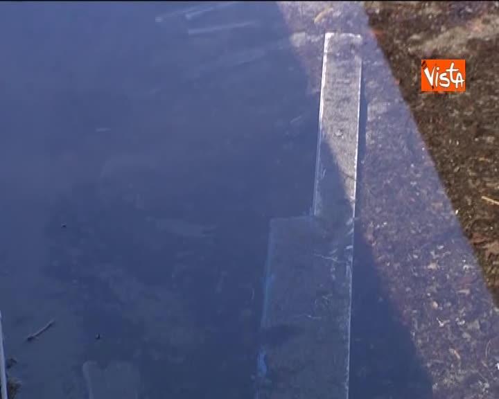 """La mareggiata distrugge lo stabilimento Sticco a Trieste, il gestore: """"Non abbiamo più nulla"""""""