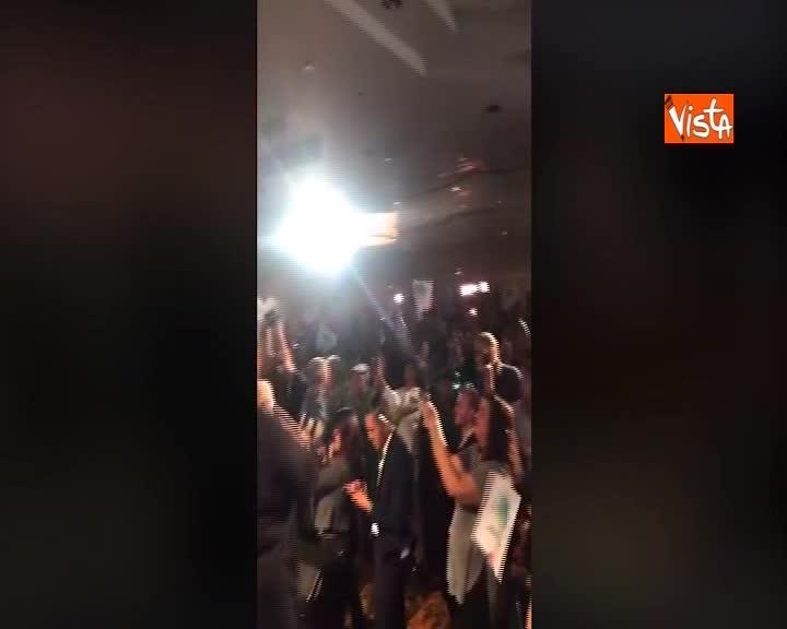 Midterm USA, Jared Polis annuncia la sua vittoria al pubblico in Colorado