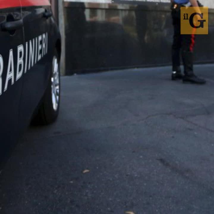 Roma, straniero rischia di perdere bus, minaccia autista con coltello