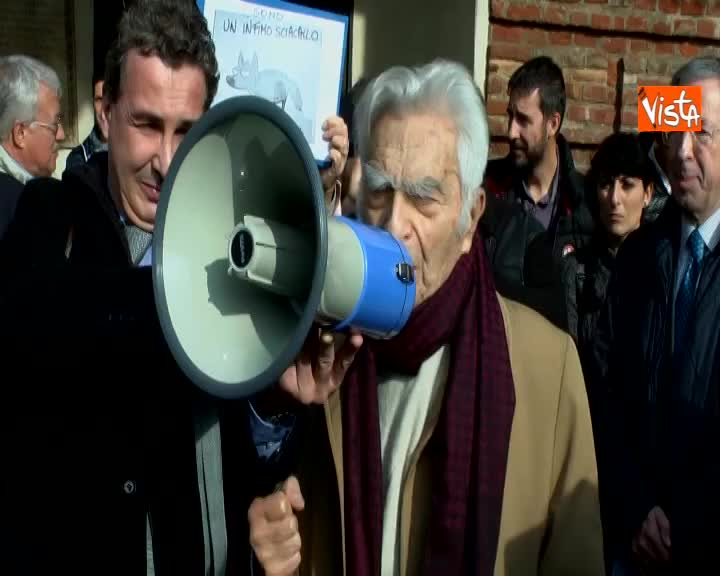 "Flash mob liberta' stampa, Bruno Segre ""Liberta' e' sacra, viva la liberta'"""