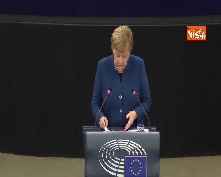 "Eurozona, Merkel: ""Ogni Paese responsabile per stabilità finanziaria, va tutelata da scossoni"""