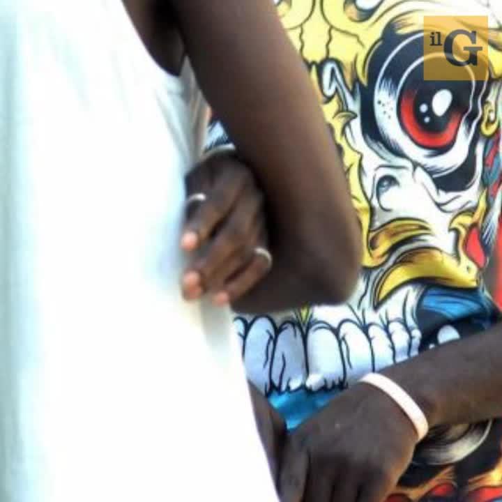 Agrigento, non riconoscono status rifugiato, africano semina panico