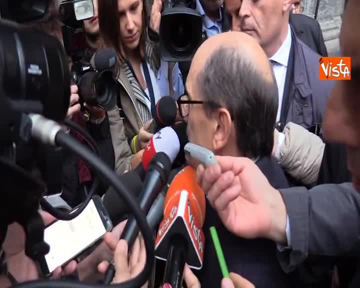 """Rifiuti, Cafiero de Raho: """"Responsabilità politiche? C'è sicuramente omissione e ritardo"""""""