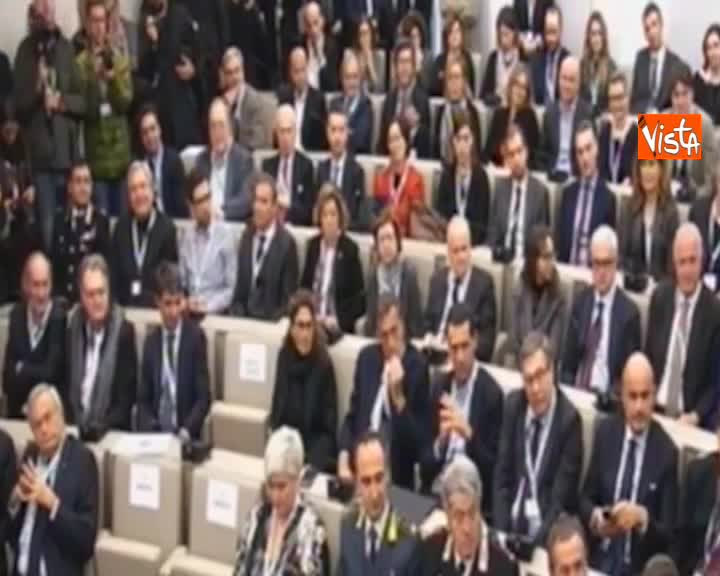 """Manovra, Salvini: """"La lettera da Bruxelles? Io aspettavo anche quella di Babbo Natale"""""""
