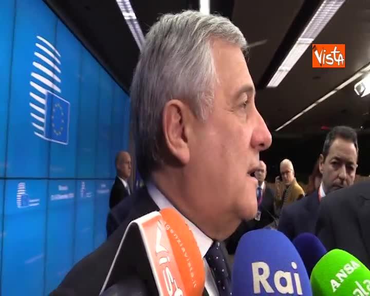 """Manovra, Tajani: """"Manderò a Salvini e Di Maio foto di Renzi, consensi si perdono molto facilmente"""""""