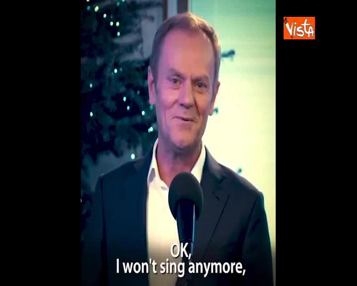Canta canzone di Natale su Twitter, i singolari auguri del Presidente del Consiglio Ue Donald Tusk