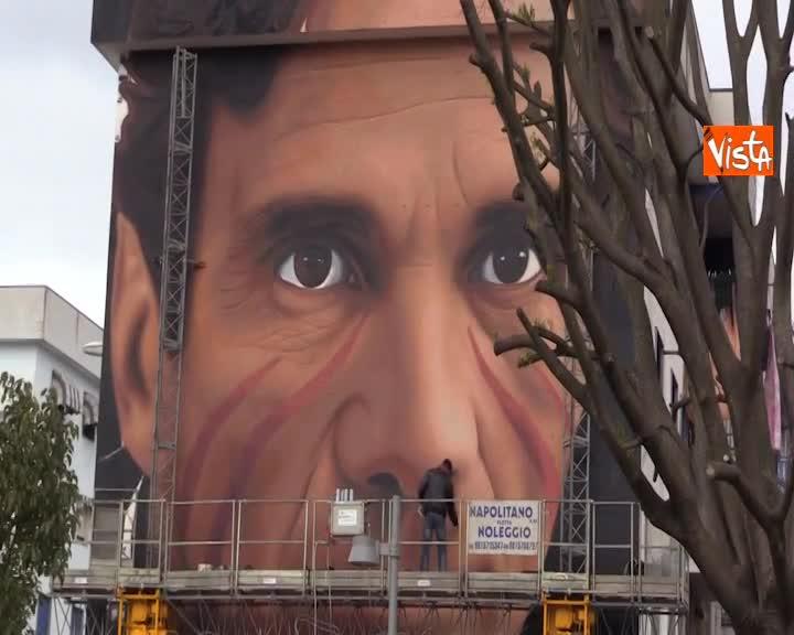 Pasolini a Scampia, il murales realizzato dallo street artist Jorit