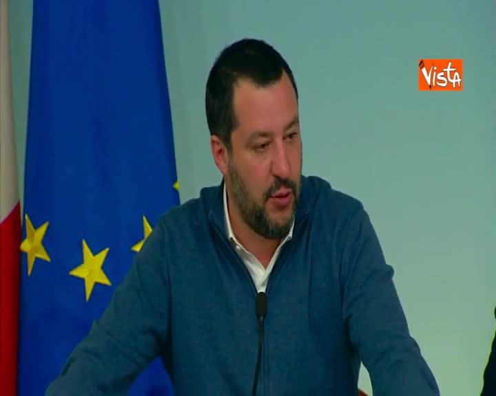 """Battisti, Salvini: """"Dopo di lui, ora tocca a altra decina terroristi"""""""