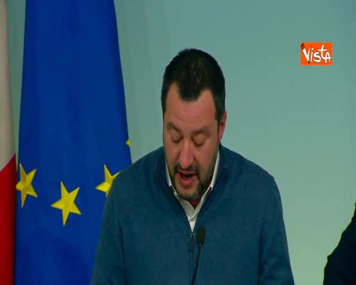"""Migranti, Salvini: """"Commissario Ue per migrazioni ha twittato 'sostegno', traete voi conclusioni"""""""