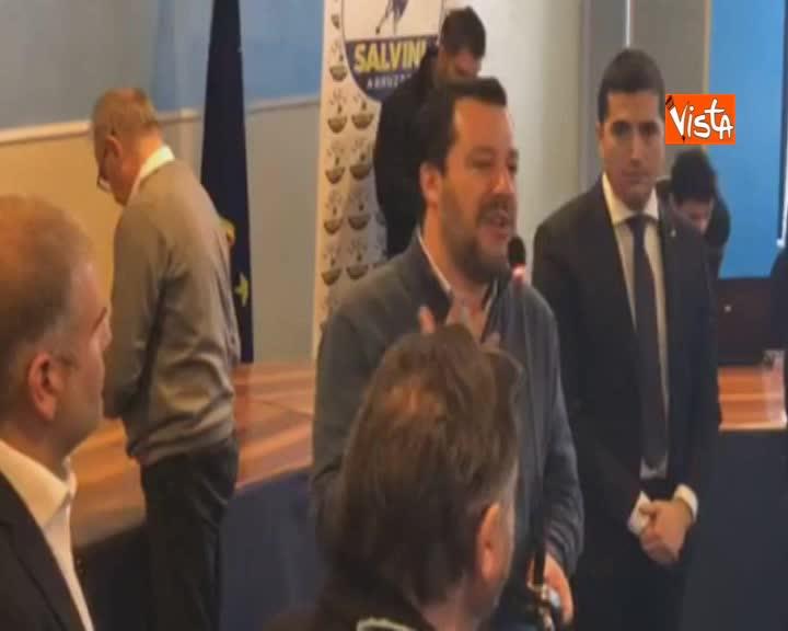 """Utero in affitto, Salvini: """"Femministe pensano a corpo donna come un bancomat"""""""