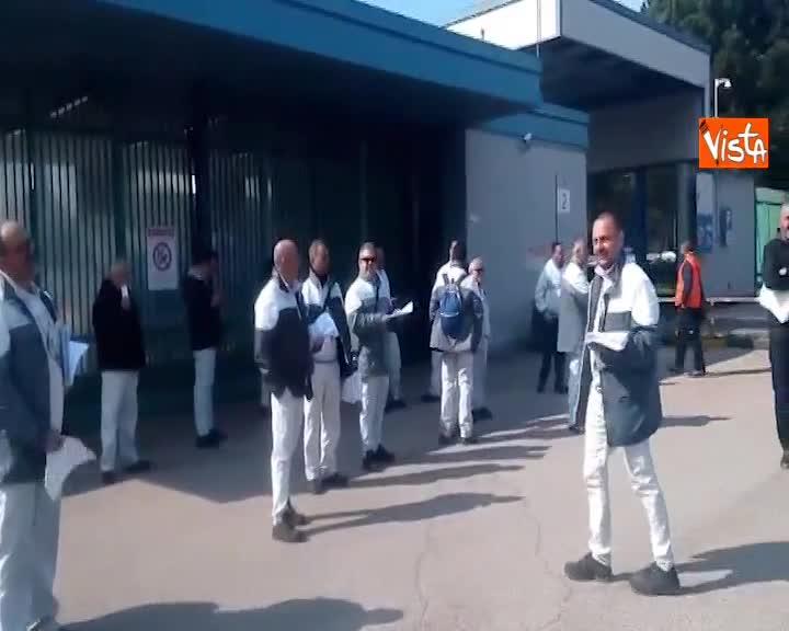 Scioperano gli operai del reparto stampaggio dell'FCA di Pomigliano