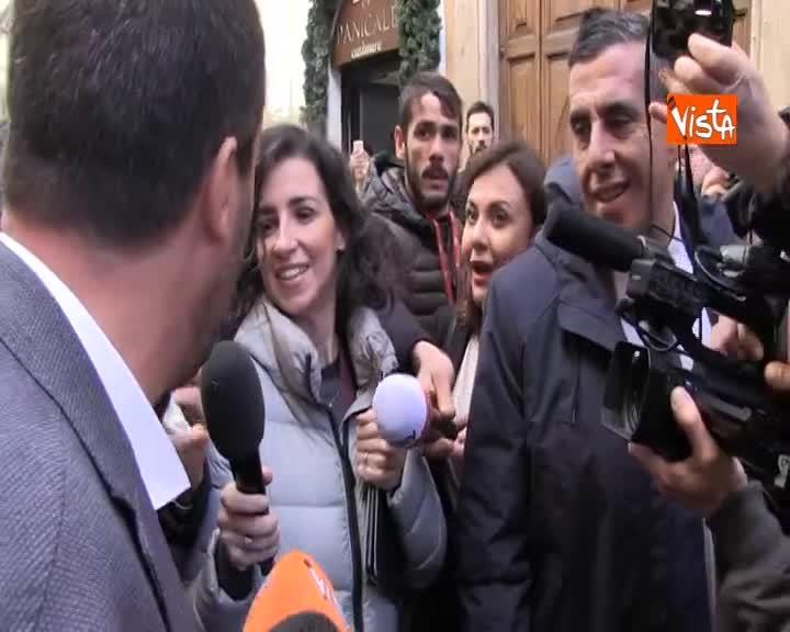 """Salvini fa il test antidroga e risulta negativo: """"Sono positivo a pastasciutta e cioccolato"""""""