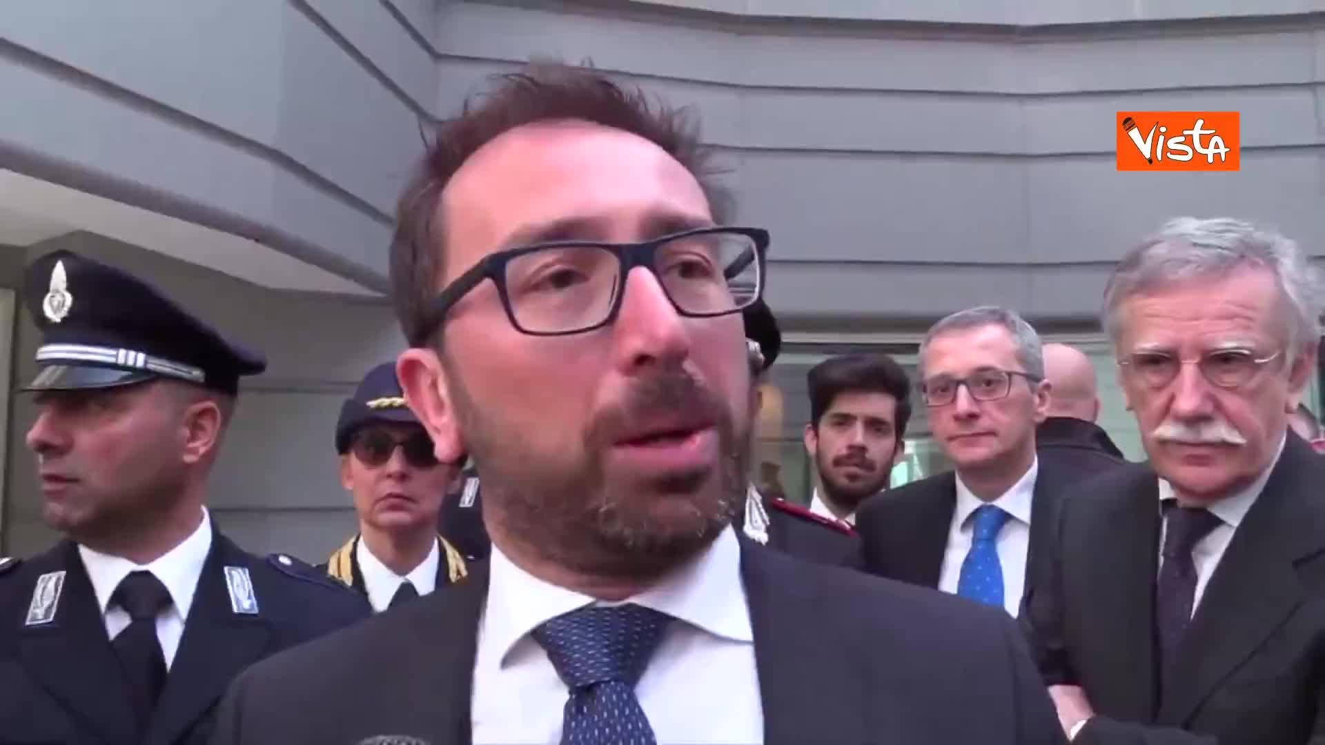 """Armi, Bonafede: """"Non c'è spazio in Italia per una legge di questo tipo"""""""