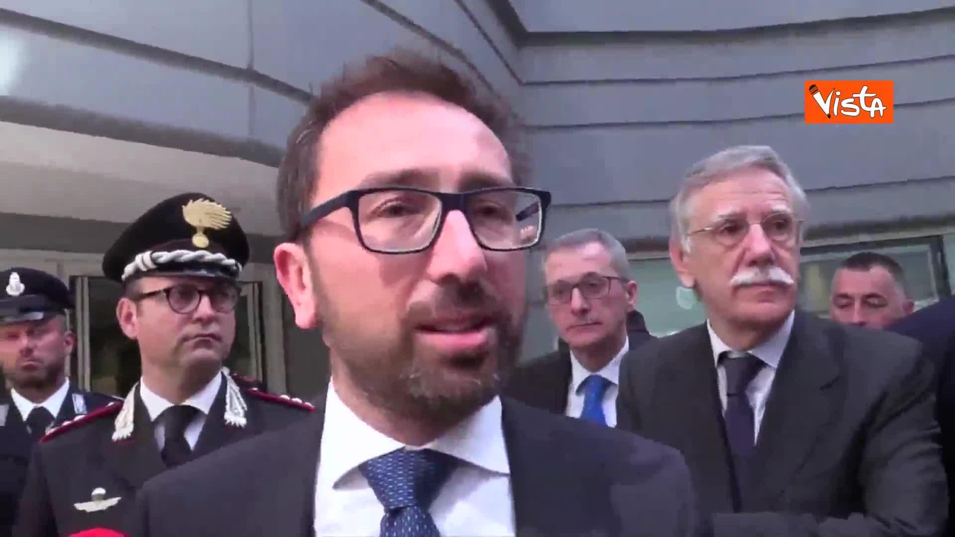 "Legittima difesa, Bonafede: ""Non ci sarà nessun far-west"""