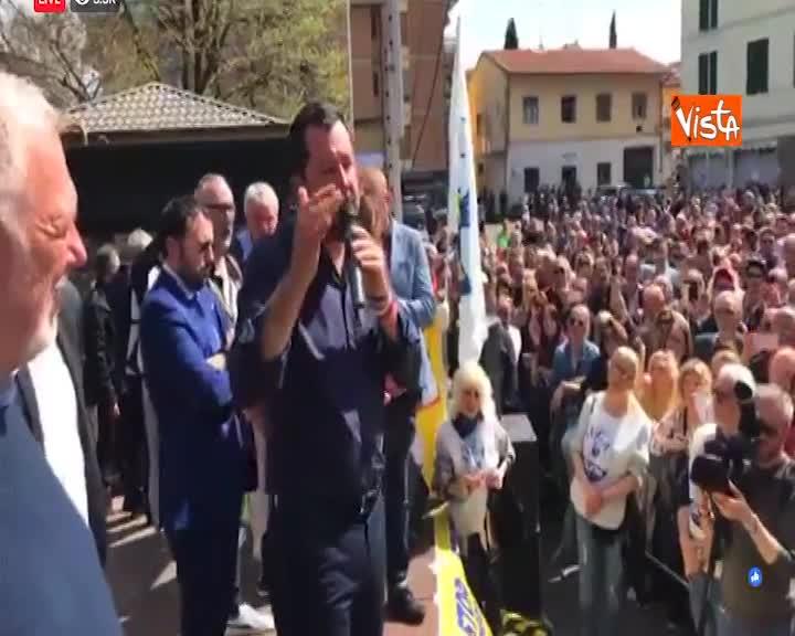 """Salvini: """"Polizia locale controllare negozi stranieri oltre al bottegaio italiano"""""""