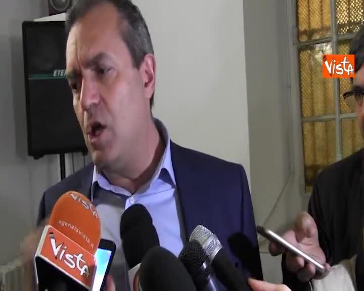 """Nozze trash, de Magistris: """"Le violazioni amministrative per strada non le accerta il sindaco"""""""
