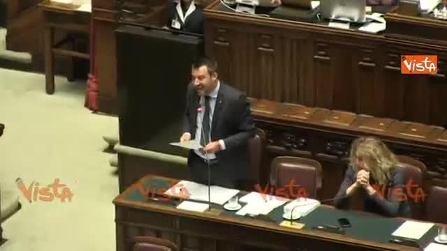 """Cartelli Pd in Aula, Salvini: """"Mia figlia si diverte così"""". Carfagna: """"Non siamo a scuola"""""""