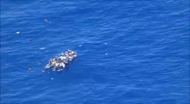 Le immagini del naufragio del 23 maggio in un video di Sea Watch
