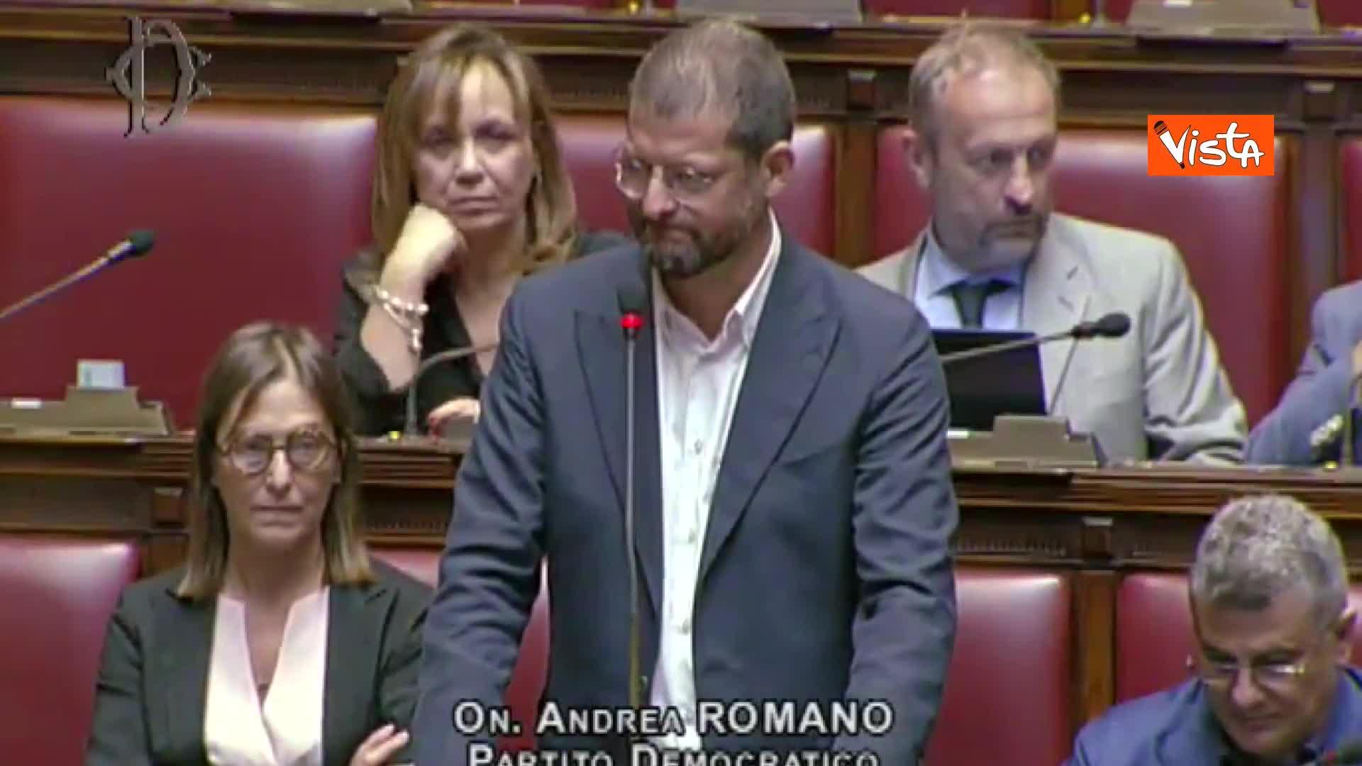 Romano (Pd) contro Businarolo (M5s) in commissione, bagarre in aula alla Camera