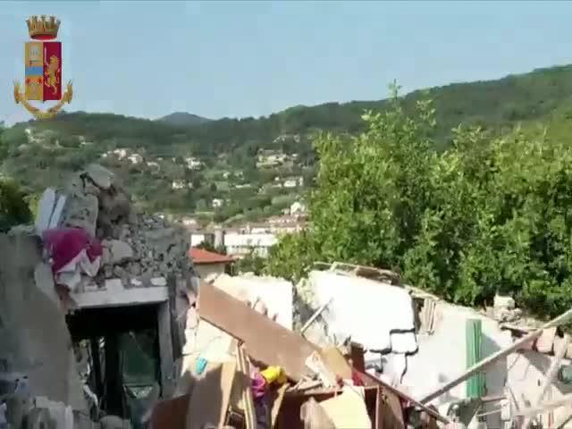 Esplosione palazzina all'Isola d'Elba: in azione anche la polizia