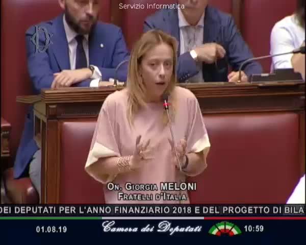 Giorgia Meloni propone aree di allattamento in Parlamento