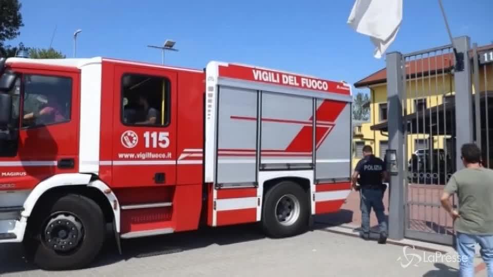 Milano, incendio al centro di accoglienza: diversi intossicati