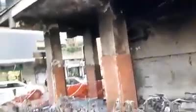 Le immagini degli scooter del rione Alto invasi dalle fiamme