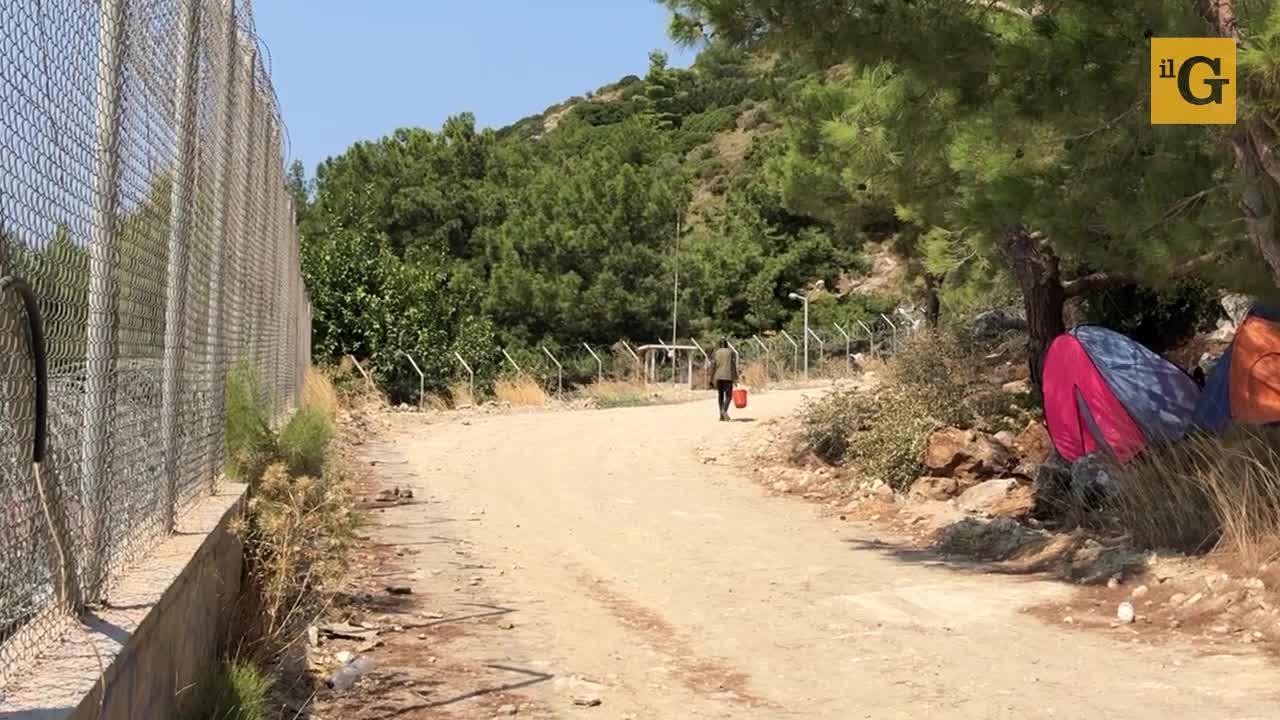 I siriani dimenticati nel campo profughi di Samos