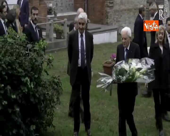 Mattarella rende omaggio alla tomba del Sen. Benigno Zaccagnini