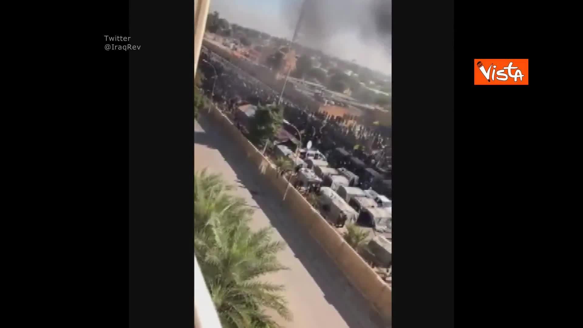 Ambasciata Usa in Iraq in fiamme e assaltata dai manifestanti